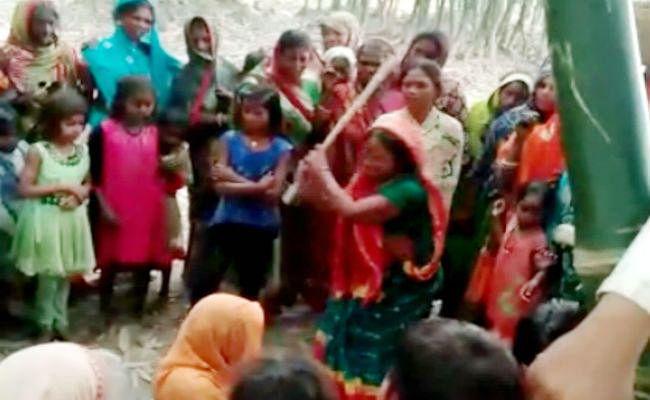 मुजफ्फरपुर : महिलाओं ने लगायी पंचायत, महिला की महिला ने की पिटाई, ...जानें क्या है मामला?