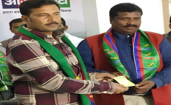 झारखंड विधानसभा चुनाव: बीजेपी छोड़ झामुमो में गए और अब ''आजसू'' के हुए ताला मरांडी