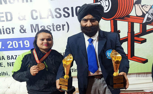 बेंच प्रेस चैंपियनशिप : झारखंड की मनीषा एक्का को स्वर्ण पदक, सरदार इंद्रजीत सिंह बने बेस्ट लिफ्टर