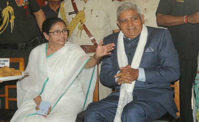 पश्चिम बंगाल के राज्यपाल का दावा : ममता बनर्जी ने उनके लिए कहा -''तू चीज बड़ी है मस्त मस्त''
