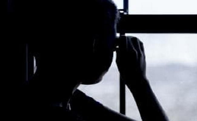 स्कूली छात्रा की अश्लील तस्वीर वायरल, आरोपी पर एफआईआर दर्ज