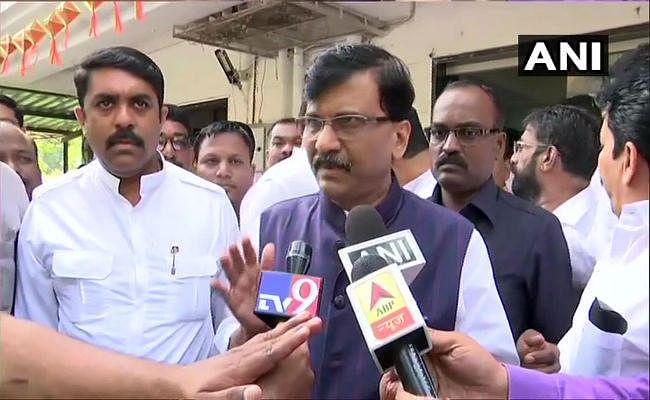 शिवसेना नेता संजय राउत का बयान- अब महाराष्ट्र में राजनीति खत्म, जल्द ही गोवा में दिखेगा चमत्कार
