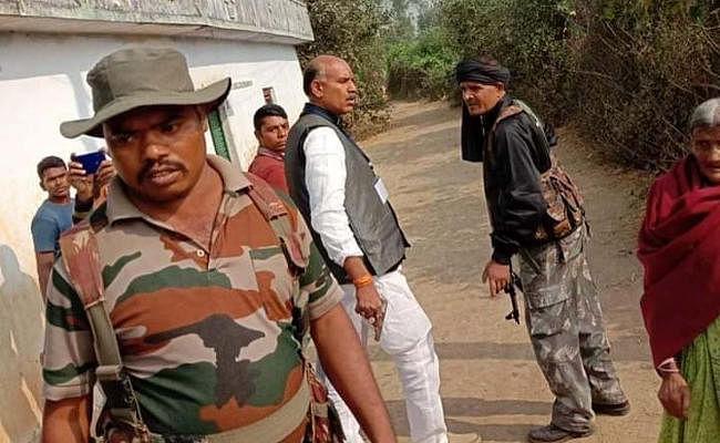 झारखंड विधानसभा : पलामू के चैनपुर में केएन त्रिपाठी के समर्थकों ने पत्रकारों पर किया हमला
