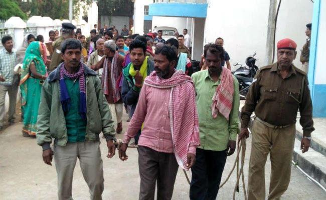 जमीन विवाद में हुई थी हत्या, दुमका की अदालत ने 23 आरोपियों को सुनायी आजीवन कारावास की सजा