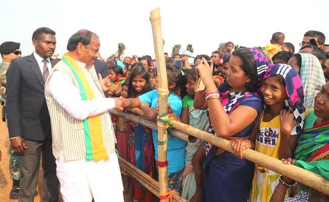 बेहद व्यस्त है मुख्यमंत्री रघुवर दास का कार्यक्रम, सभी दलों के नेताओं ने झोंकी पूरी ताकत