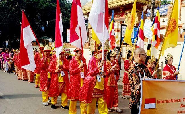 महाबोधि मंदिर में 15वां इंटरनेशनल त्रिपिटक चैटिंग शुरू, विश्व शांति की कामना की जायेगी, ...देखें तस्वीरें