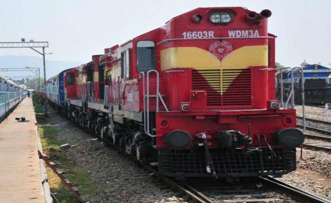 CAG Report : 100 रुपये कमाने के लिए 98 रुपये खर्च कर रही रेलवे