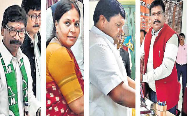 16 सीटों पर 102 नामांकन दाखिल, देवघर में 12 व मधुपुर में 13 प्रत्याशी मैदान में, बंटा सिंबल