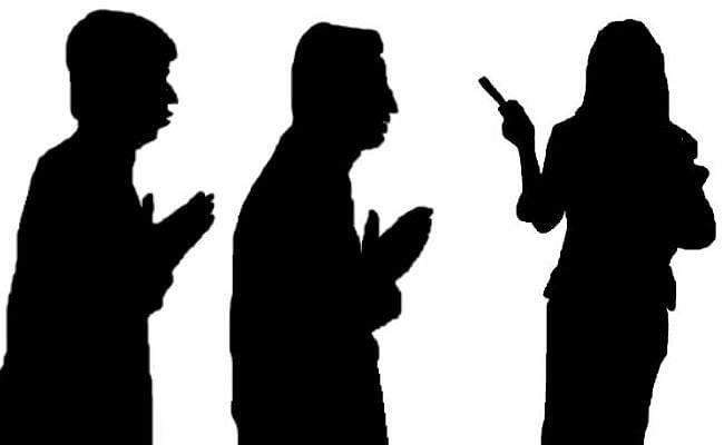 छेड़खानी करनेवाले छात्रों को अदालत ने दी अनोखी सजा, कहा...