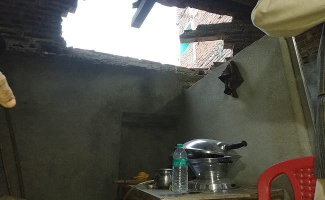 बिहार : नालंदा के सिलाव में भीषण ब्लास्ट से मकान का एक हिस्सा उड़ा, दो जख्मी