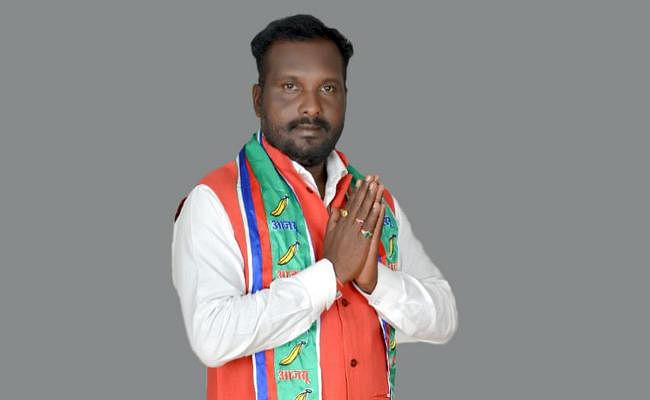 Jharkhand Election 2019 : कौन हैं राम दुर्लभ सिंह मुंडा, आजसू से लड़ रहे हैं चुनाव, क्या हैं उनके मुद्दे