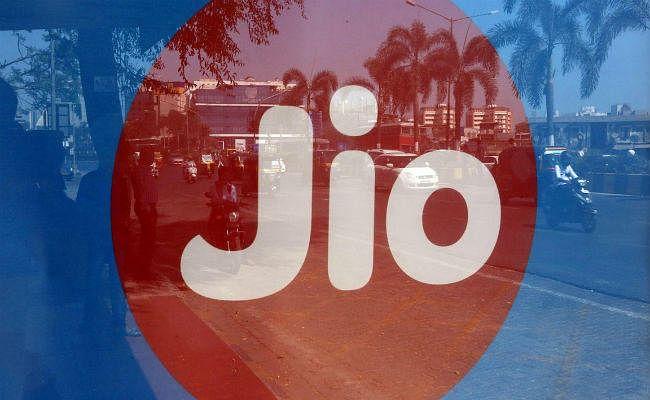 JIO के सस्ते रिचार्ज का आखिरी मौका, कल से महंगा होगा Tariff