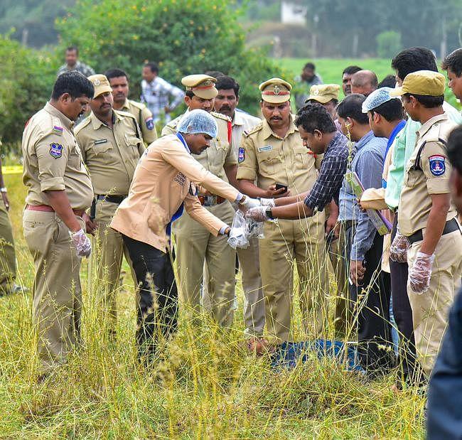 हैदराबाद मुठभेड़ : तेलंगाना हाईकोर्ट का निर्देश- चारों आरोपियों के शव नौ दिसंबर तक सुरक्षित रखें