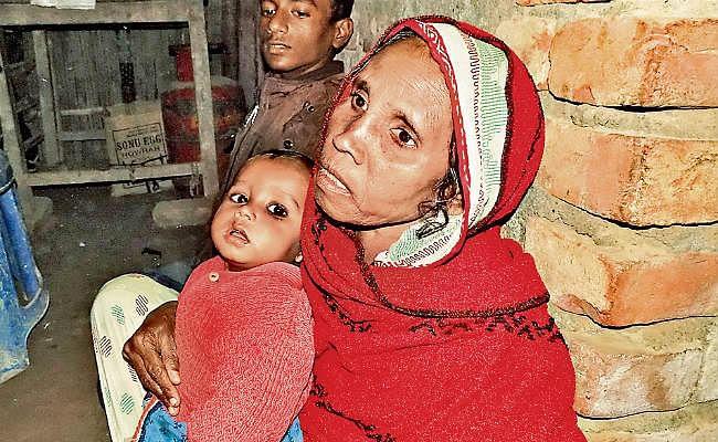 दिल्ली अग्निकांड : इमारत में फंसे मुशर्रफ की दोस्त से अंतिम बातचीत, फोन पर गुहार, दोस्ती का फर्ज निभाना मोनू, परिवार का रखना ख्याल