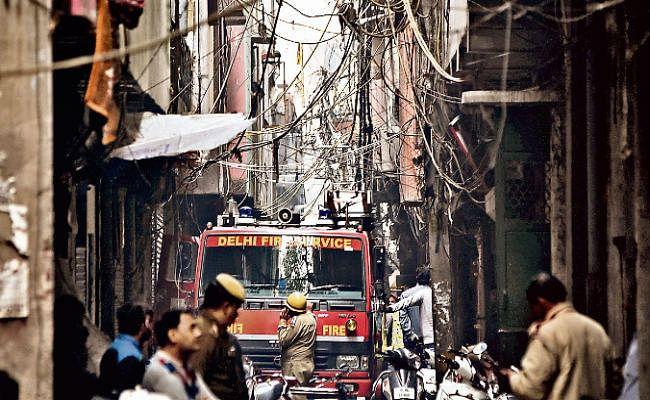 दिल्ली के अनाज मंडी क्षेत्र में अगलगी : रांची के राजेश की जांबाजी, जान पर खेलकर 11 लोगों को बचाया