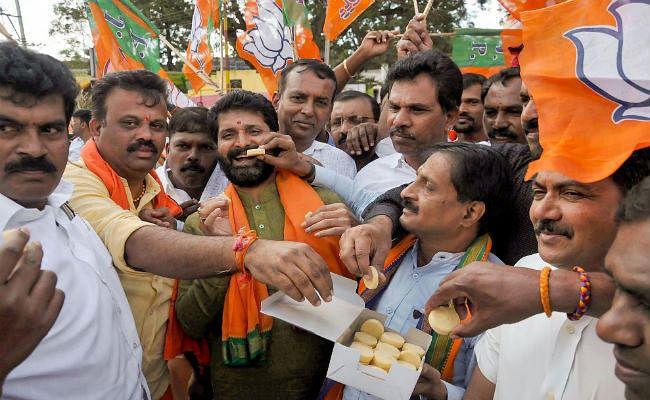 कर्नाटक उपचुनाव : भाजपा ने 15 में से 12 सीटें जीती, विधानसभा में मिला स्पष्ट बहुमत