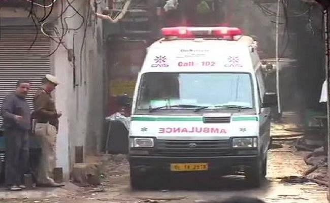DelhiFire : मृतकों के परिवार की आपत्ति के बाद, बिहार के लोगों के शव सड़क मार्ग से भेजे जायेंगे