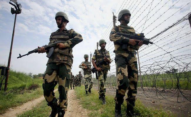 नियंत्रण रेखा पर पाकिस्तान ने किया संघर्ष विराम का उल्लंघन, नागरिक घायल