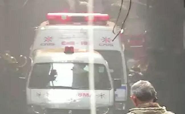 Delhi Fire : भीषण आग त्रासदी में जान गंवाने वाले बिहार के 35 श्रमिकों के शव उनके राज्य भेजे गये