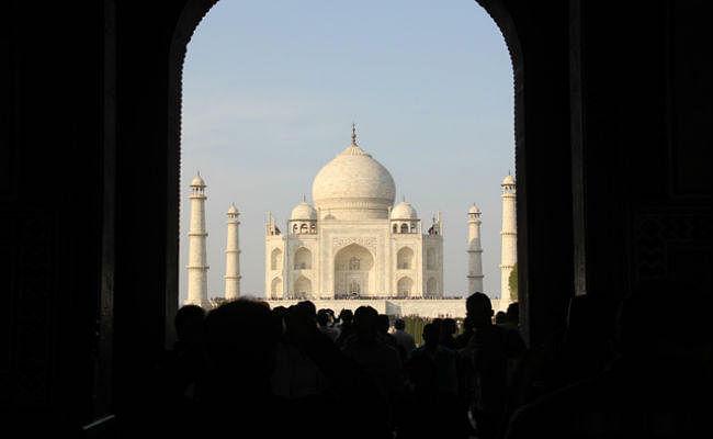 ताजमहल देखने आये थे भारत, इजी मनी पॉलिसी से बटोरने लगे रुपये