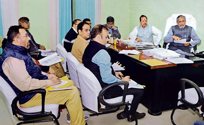 पटना : 2.76 लाख श्रमिकों को शीघ्र मिले चिकित्सा सहायता राशि : सुशील मोदी