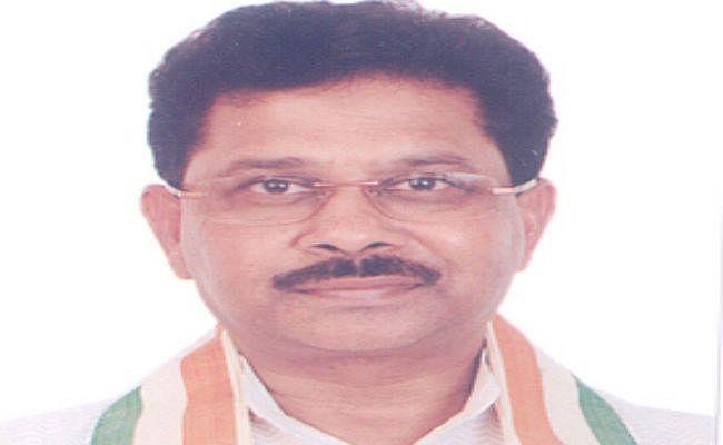 Jharkhand : कांग्रेस सांसद धीरज साहू के लोहरदगा आवास पर इनकम टैक्स की दबिश