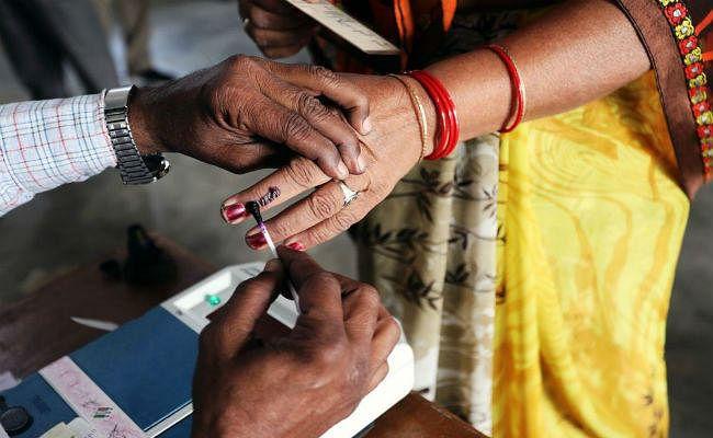 बिहार पंचायत चुनाव के चौथे चरण में 63 प्रतिशत महिलाएं निकली वोट डालने, बांका में सर्वाधिक प्रतिशत पड़े वोट