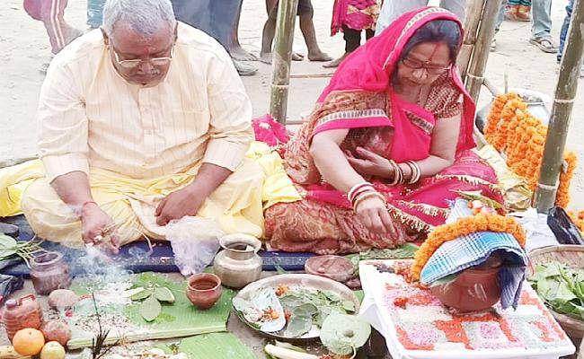 गांव में अनहोनी की आशंका के मद्देनजर वरुण देव से कराया गया विवाह, ...जानें क्या है मामला?