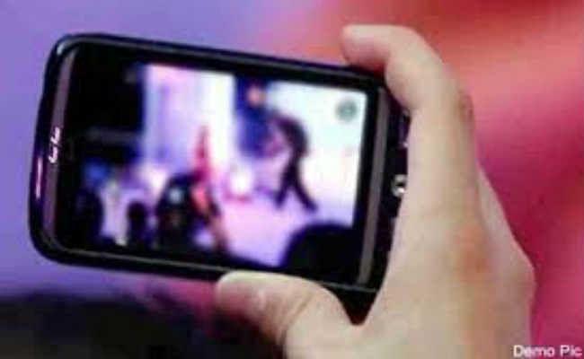 नाबालिग का बनाता था अश्लील वीडियो, फिनाइल पीकर की जान देने की कोशिश