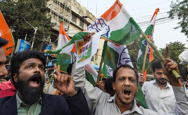 नागरिकता संशोधन कानून के खिलाफ पश्चिम बंगाल में प्रदर्शन जारी