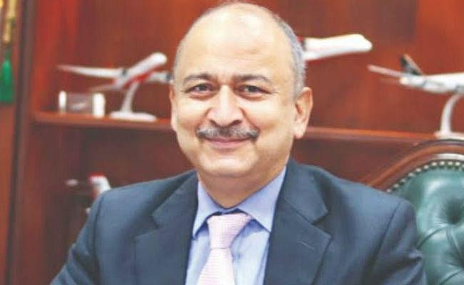 नागर विमानन सचिव ने कहा, खरीदारों को आकर्षित करने के लिए एयर इंडिया के कर्ज के मुद्दे पर काम कर रही सरकार