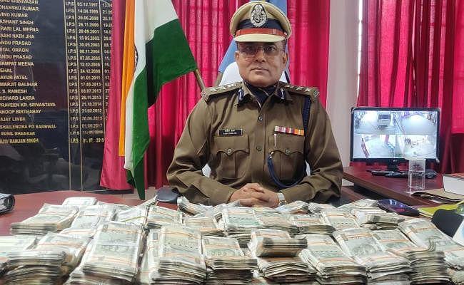 झारखंड विधानसभा चुनाव : पाकुड़ में चुनाव से पहले 43.98 लाख रुपये बरामद