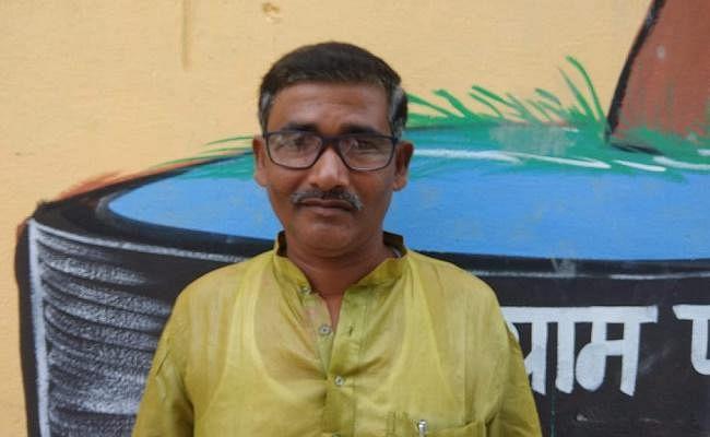 बिहार : समस्तीपुर में मुखिया रिश्वत लेते रंगे हाथों गिरफ्तार