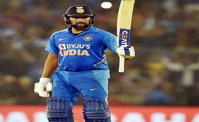 रोहित शर्मा ने जयसूर्या का 22 साल पुराना रिकॉर्ड तोड़ा, ऐसा करने वाले पहले खिलाड़ी बने