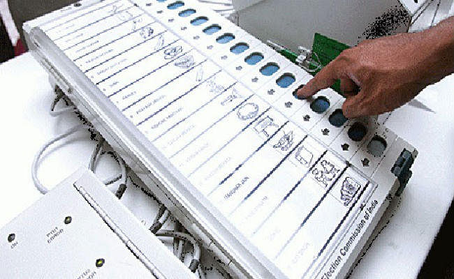 Jharkhand Result: मतगणना के बीच भाजपा का कांग्रेस पर तंज- EVM ठीक से काम कर रहे या नहीं?