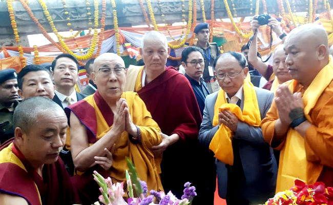 दलाई लामा ने महाबोधि मंदिर में की पूजा, चीन को दिया संदेश, कहा- बंदूक की शक्ति की तुलना में सच्चाई की शक्ति बहुत मजबूत