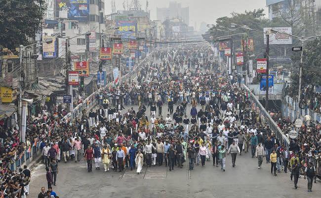 पश्चिम बंगाल में हिंसक झड़प में एक महिला की मौत, तीन अन्य गोली लगने से घायल