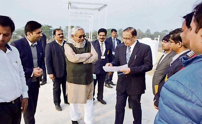 नालंदा : मुख्यमंत्री पहुंचे आयुध निर्माणी, भरे जलाशयों को देख की सराहना