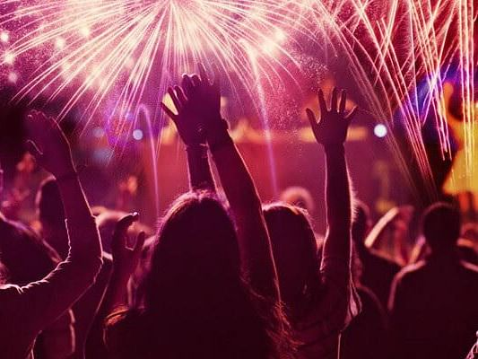 New Year सेलिब्रेट करना चाहते हैं तो जान लें, यूपी में किन नियमों का करना होगा पालन