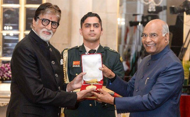 राष्ट्रपति ने अमिताभ बच्चन को दादा साहेब फाल्के पुरस्कार से किया सम्मानित, तसवीरें