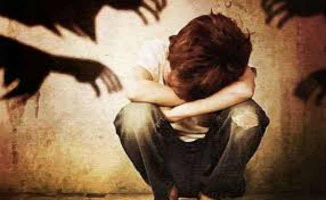 घनुडीह :  छात्र का अपहरण कर अप्राकृतिक यौनाचार