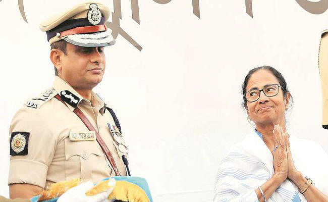 जानें कौन हैं राजीव कुमार, जिनके लिए धरना पर बैठी हैं 'दीदी' ममता बनर्जी