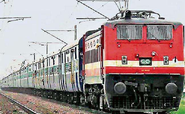 धनबाद-चंद्रपुरा लाइन पर मालगाड़ी का सफल परीक्षण, 15 से निर्धारित मार्ग से चलेगी ये यात्री ट्रेनें, देखें सूची