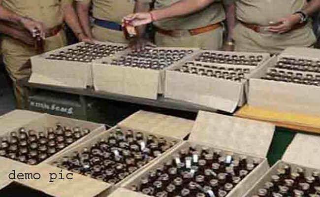 मुजफ्फरपुर :  मनियारी से 218 कार्टन शराब जब्त