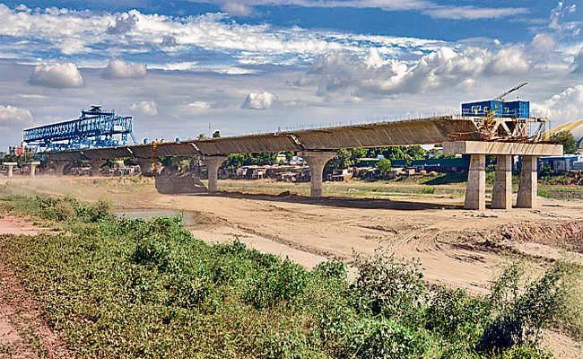 गंगा किनारे के टोपो लैंड के सर्वेक्षण के लिए समिति गठित, लाखों हेक्टेयर जमीन के मालिकाना हक का है मामला