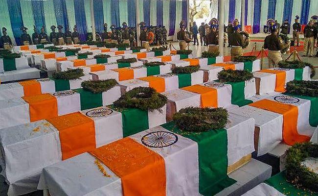 Pulwama CRPF Attack शहीदों पर जज साहब बोले - कई मरते हैं, किस-किस का शोक मनाऊं