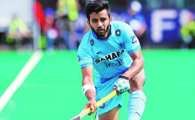 मनप्रीत सिंह को एशियाई हॉकी महासंघ ने वर्ष का सर्वश्रेष्ठ खिलाड़ी चुना