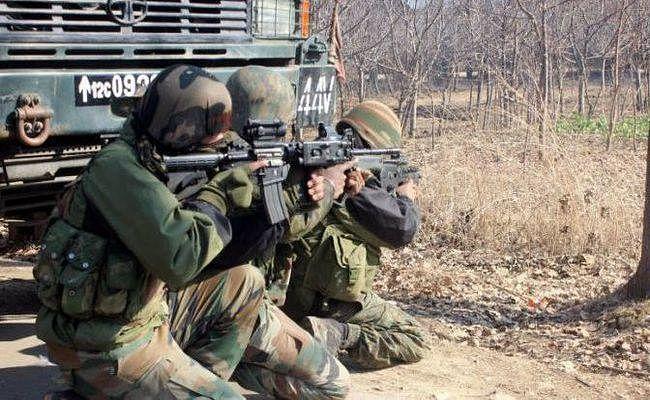 जम्मू-कश्मीर : कुलगाम में मुठभेड़ में डीएसपी समेत दो शहीद, जैश के तीन आतंकी ढेर