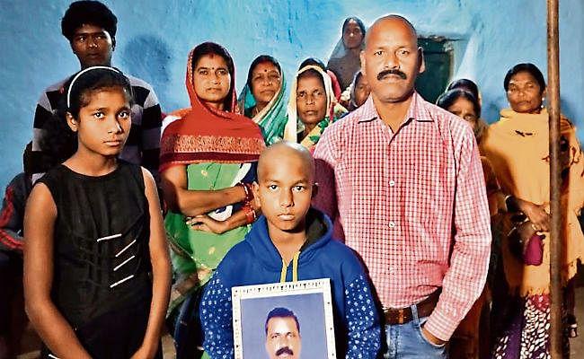 पुलवामा हमले में शहीद विजय सोरेंग के बेटे ने जब कहा, कोई नहीं बचे, पिता को मारनेवालों का नामोनिशान तक मिट जाये