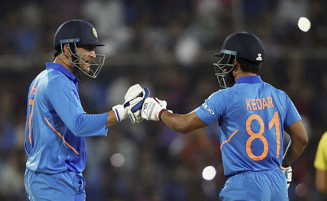 जीत के बाद कप्तान कोहली ने धौनी और जाधव को बेमिसाल बताया